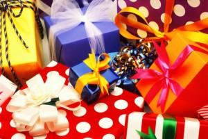 Что подарить иностранцам на свадьбу